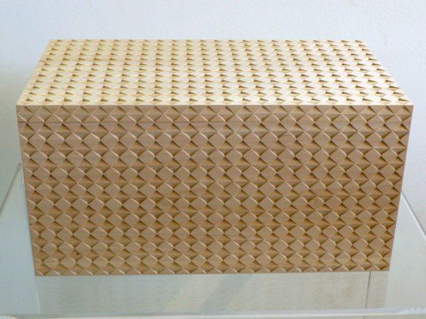 16_holzkassette-wooden-box-2009--lindenholz-44-x-25-x-22